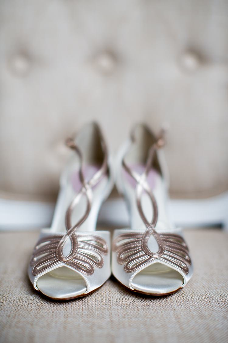 PINK Shoes Bride Bridal Vintage Pretty Relaxed Countryside Wedding http://katherineashdown.co.uk/