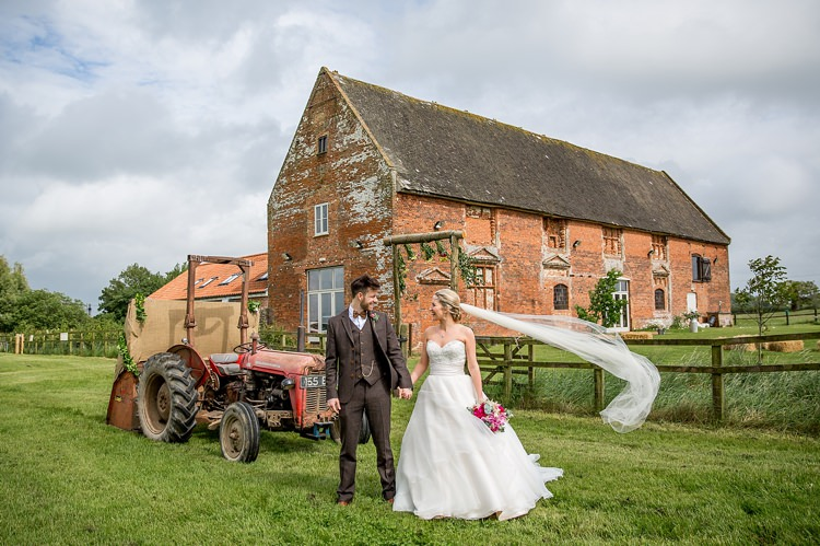 Godwick Great Barn Norfolk Pretty Relaxed Countryside Wedding http://katherineashdown.co.uk/
