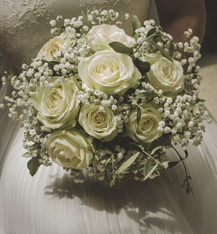 Bridal Bouquet Cream Roses White Gypsophila Flowers Atmospheric Abbey Tuscany Wedding http://www.angelicabraccini.com/