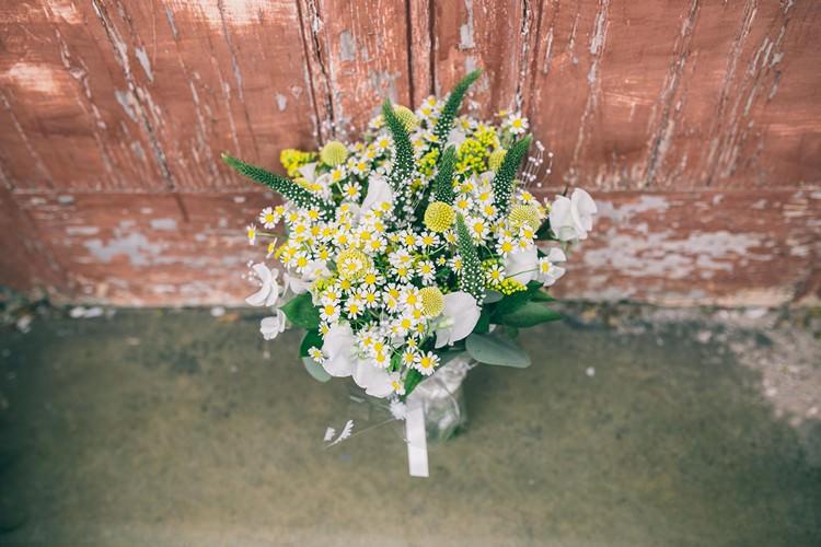 Daisy Billy Ball Yellow White Flowers Bouquet Bride Bridal Bohemian Home Made Farm Wedding http://www.jessyarwood.co.uk/