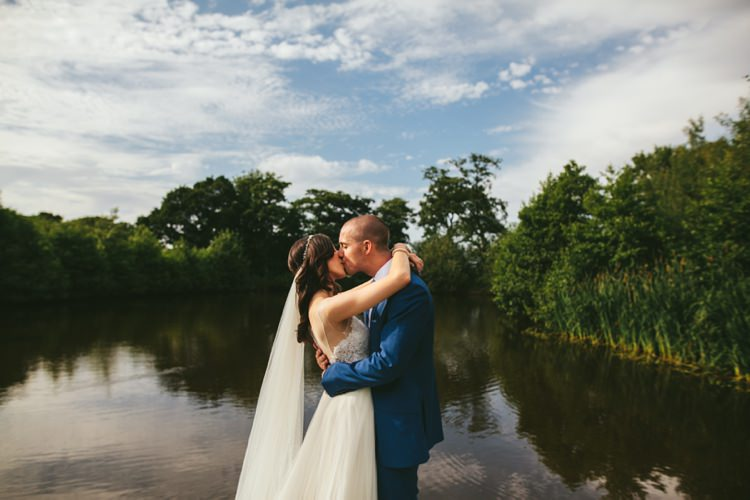 Whimsical Floral Lodge Wedding http://www.hdmphotography.co.uk/