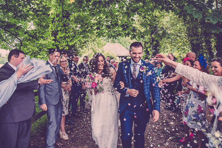 Confetti Throw Relaxed English Country Garden Party Wedding http://hayleybaxterphotography.com/