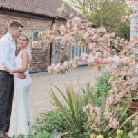Fresh Pink Barn Wedding http://www.charlotteleysphotography.co.uk/
