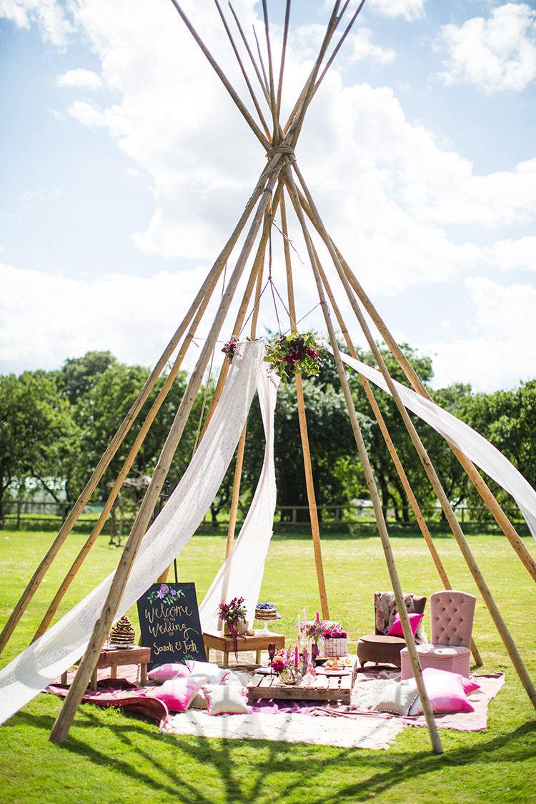 Open Outdoor Tipi Decor Alternative Colourful Boho Wedding Ideas http://www.binkynixon.com/