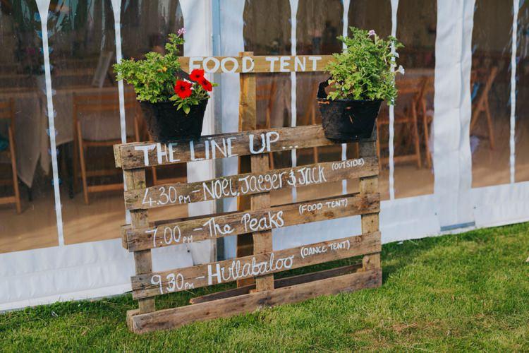 Wooden Palett Sign Creative Festival Wedding http://benjaminstuart.co.uk/