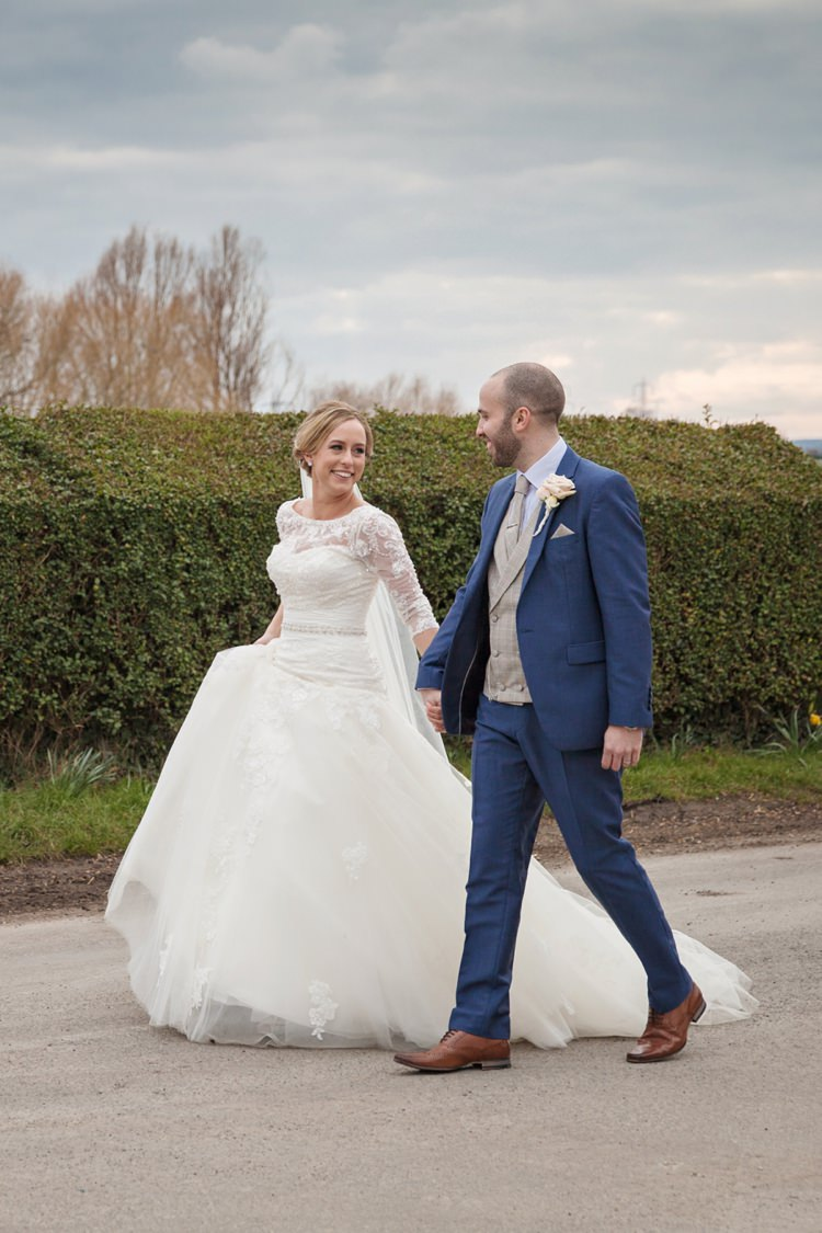 Cosy Winter Barn Wedding http://kerryannduffy.com/