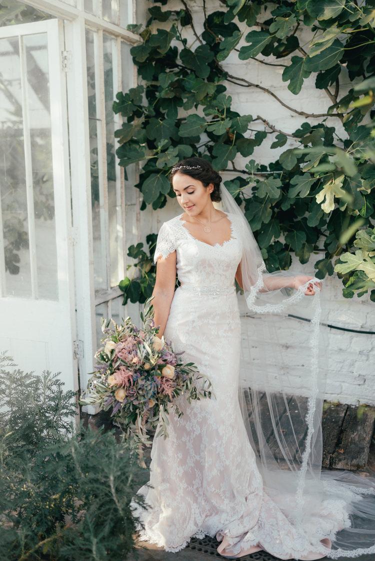 Lace Edge Veil Bride Bridal Fine Art Boho Luxe Garden Wedding Ideas http://www.lucygphotography.co.uk/