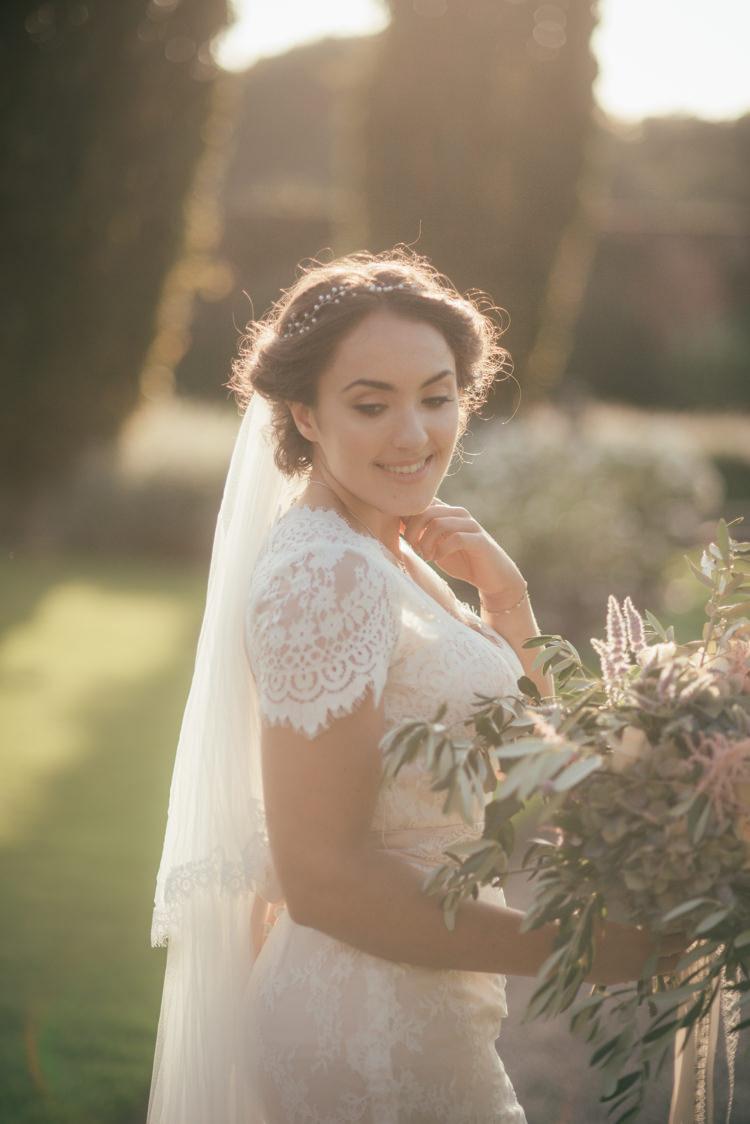 Fine Art Boho Luxe Garden Wedding Ideas http://www.lucygphotography.co.uk/