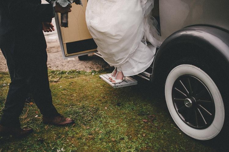 Woodland Inspired Autumn Wedding http://www.kerrydiamondphotography.com/