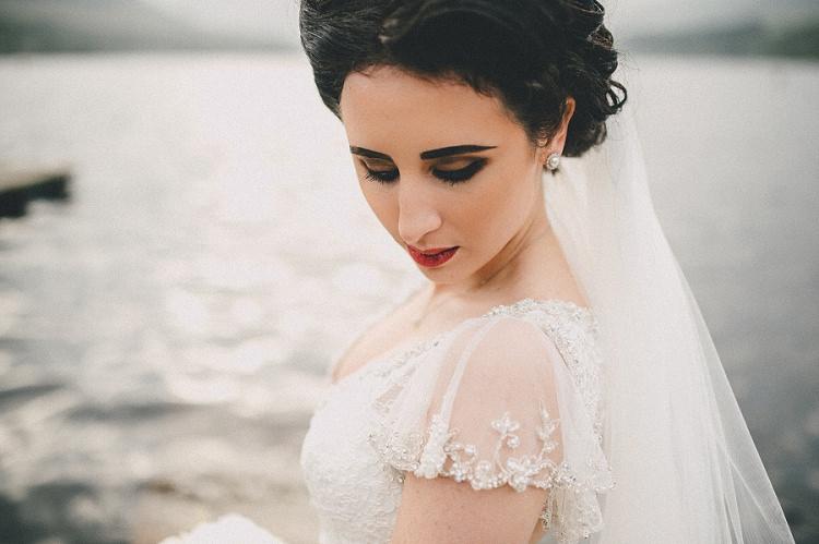 Make Up Bride Bridal Vintage Dramatic Smokey Woodland Inspired Autumn Wedding http://www.kerrydiamondphotography.com/