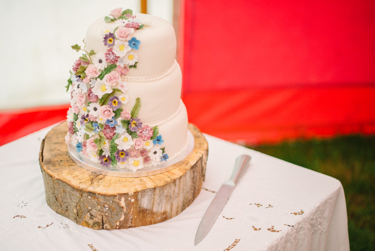 Floral Cake Log Stand Big Top Farm Party Wedding http://www.robinstudios.com/