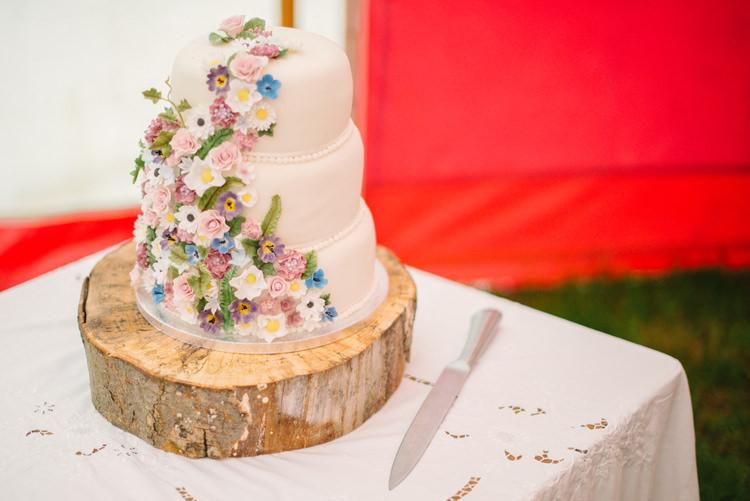 Floral Cake Log Stand Big Top Farm Party Wedding http://www.robinstudios.com/