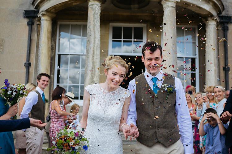 Confetti Throw Fun & Games Tipi Wedding http://jamesandlianne.com/