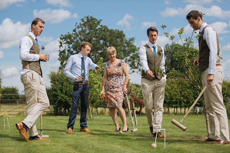 Fun & Games Tipi Wedding http://jamesandlianne.com/