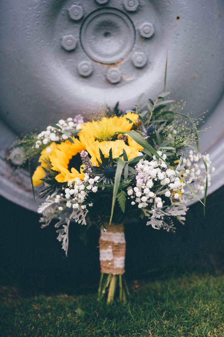 Bouquet Summer Gypsophila Outdoorsy Rustic Sunflowers Wedding http://www.helenjanesmiddy.com/