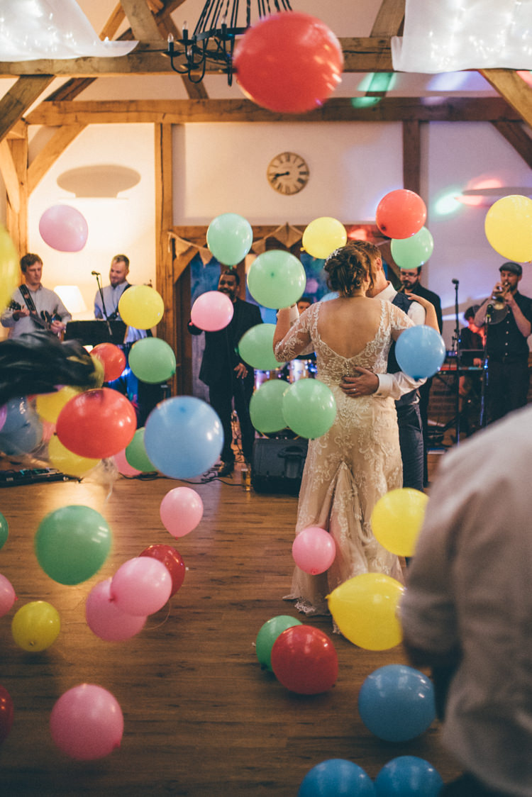 Balloons First Dance Outdoorsy Rustic Sunflowers Wedding http://www.helenjanesmiddy.com/