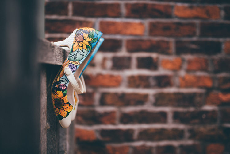 Painted Shoes Bride Bridal Outdoorsy Rustic Sunflowers Wedding http://www.helenjanesmiddy.com/