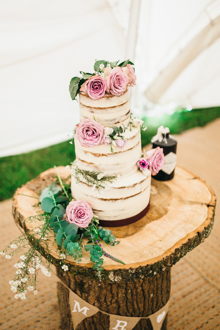 Naked Buttercream Cake Sponge Layer Flowers Log Stand Magical Midsummer Night's Dream Wedding http://www.beatriciphotography.co.uk/
