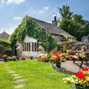 Top 10 Romantic Cottages for a UK Mini-Moon