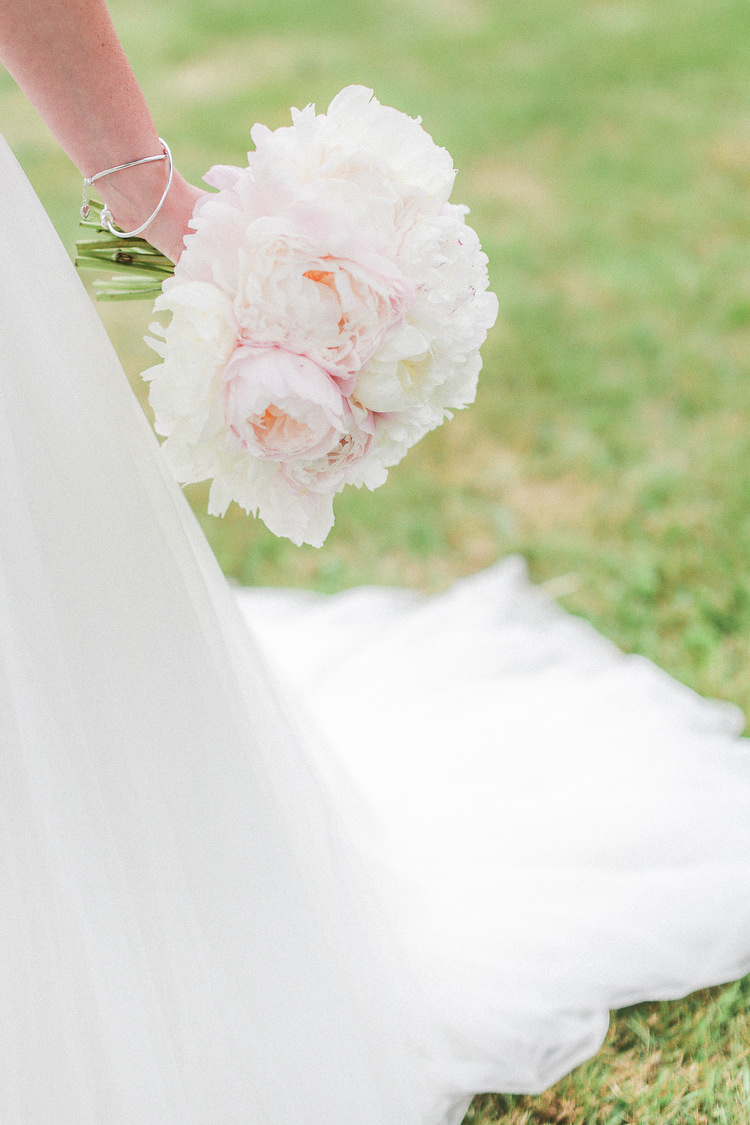 Peony Peonies Bouquet Flowers Pink White Bride Bridal Romantic Pink Summer Glamping Wedding http://helenrussellphotography.co.uk/