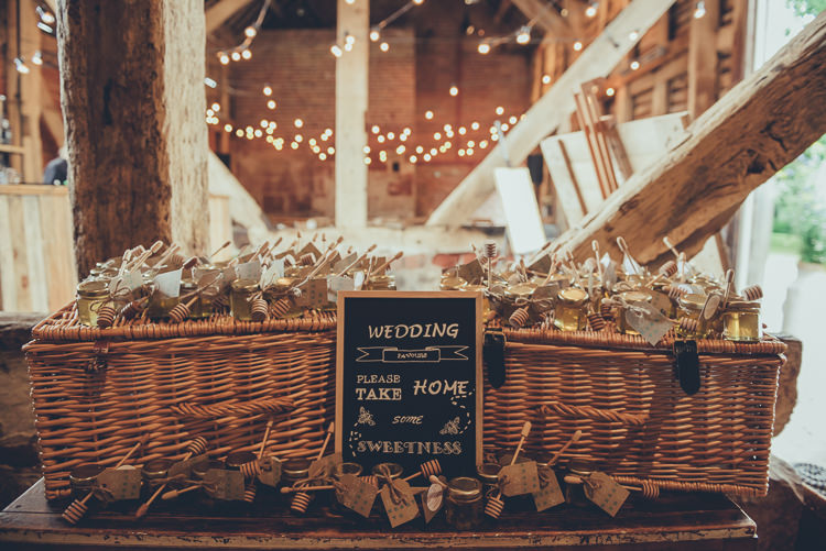 Honey Favours DIY Baskets Rustic Home Made Country Barn Wedding http://lisahowardphotography.co.uk/