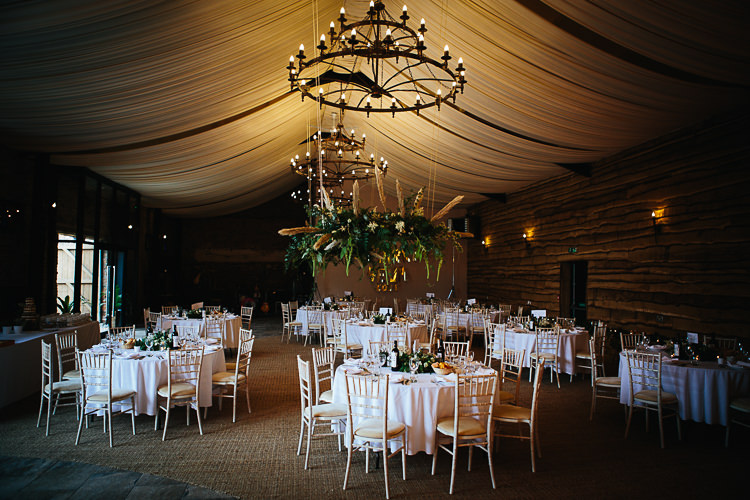 Barm Drapes Flower Wreath Pampas Grass Foliage Stylish Indie Vintage Wedding http://www.timdunk.com/