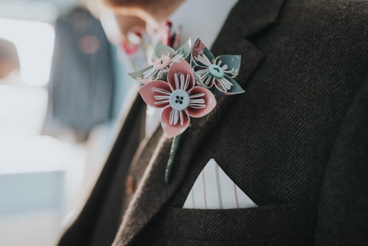 Paper Flower Buttonhole Groom Pink Blue DIY Pastel Creative Wedding http://www.baiandelle.com/