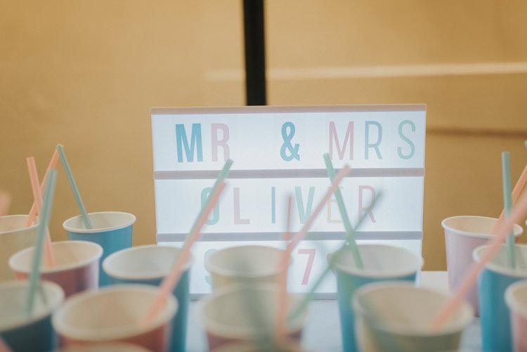 Light Box Sign Cups Drinks DIY Pastel Creative Wedding http://www.baiandelle.com/