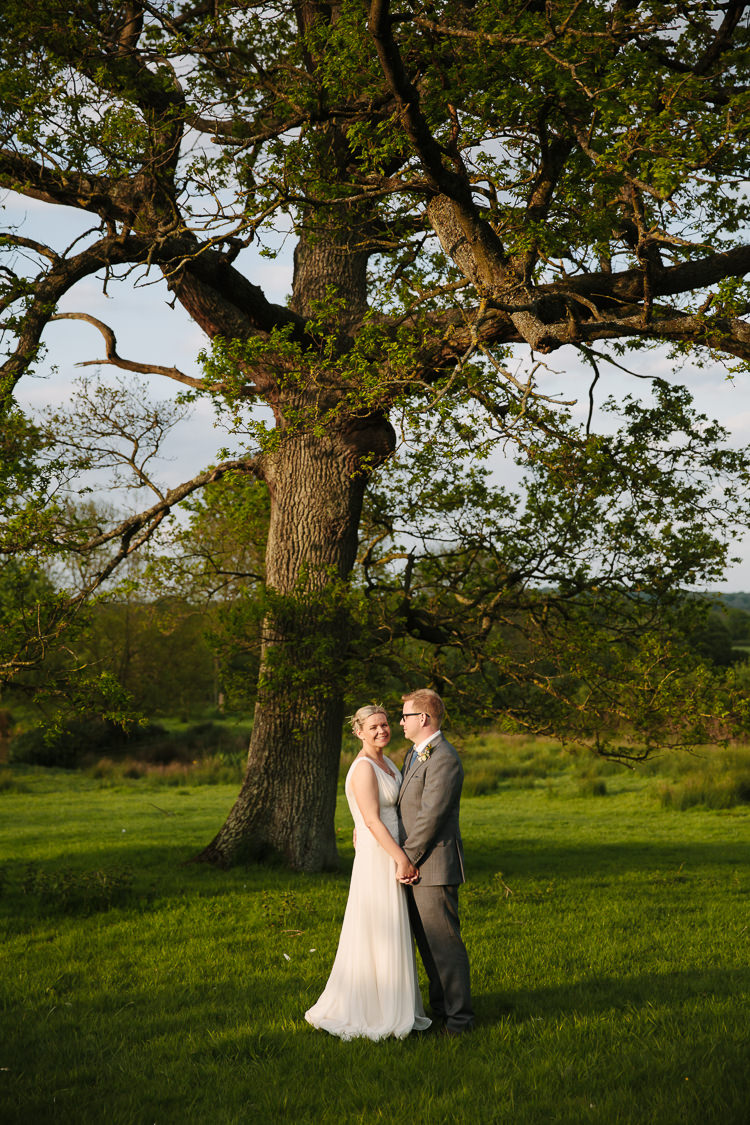 Intimate Simple Country Barn Wedding http://joannabrownphotography.com/