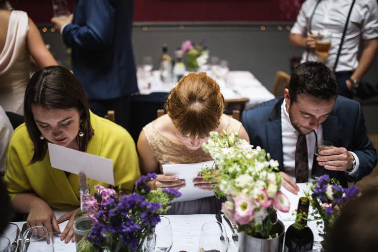 Mismatched London Pub Wedding http://www.olliverphotography.com/