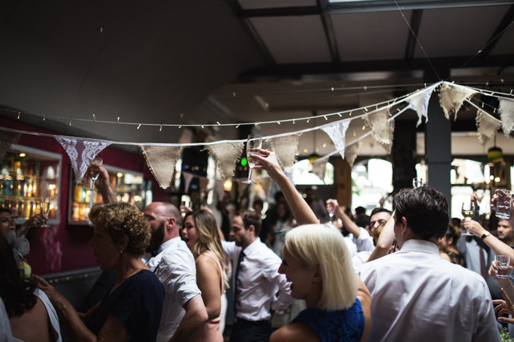 Mismatched London Pub Wedding http://www.olliverphotography.com/
