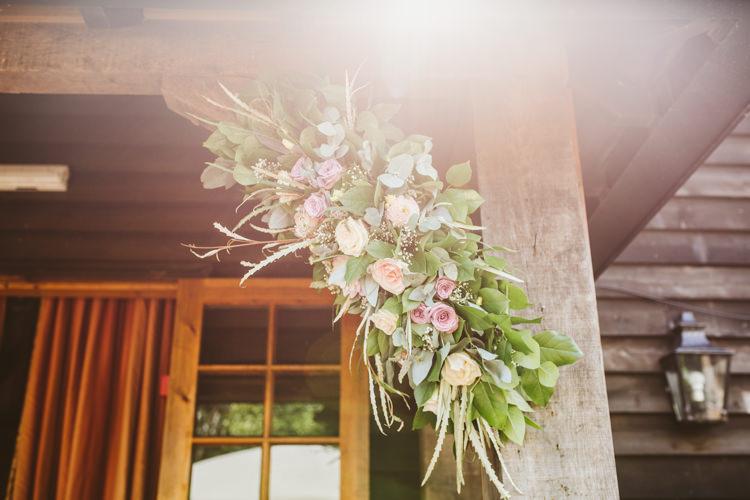 Pretty Festival Barn Countryside Wedding http://www.claretamim.co.uk/