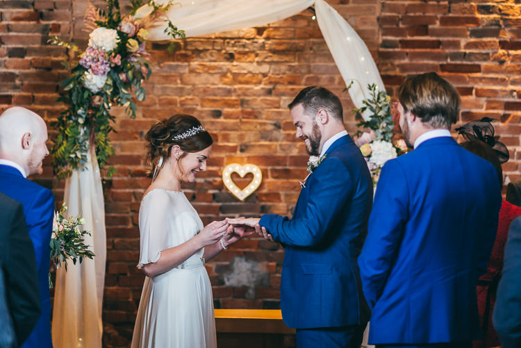 Relaxed Boho Barn Wedding http://www.fcphotography.co.uk/