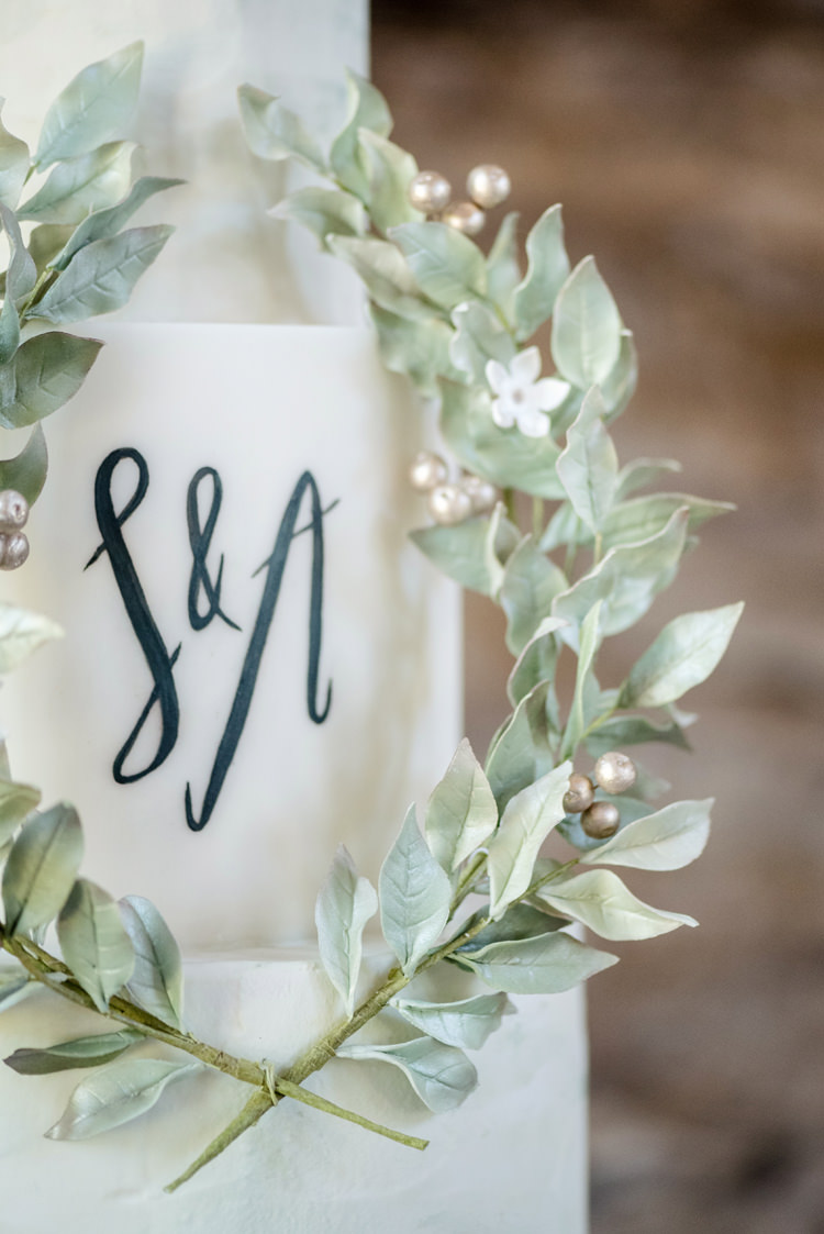 Greenery Cake Lettering Initials Letters Mongramm Organic Foliage Rustic Wedding Ideas http://www.sarahvivienne.co.uk/