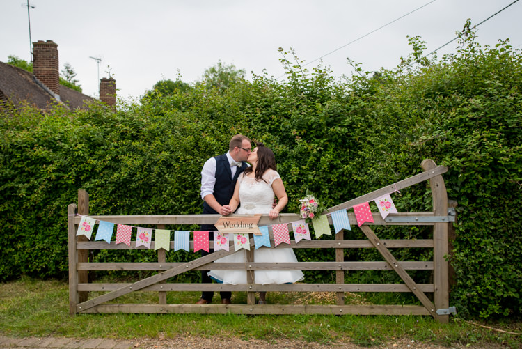 1950s Summer Fete Wedding http://www.mia-photography.com/