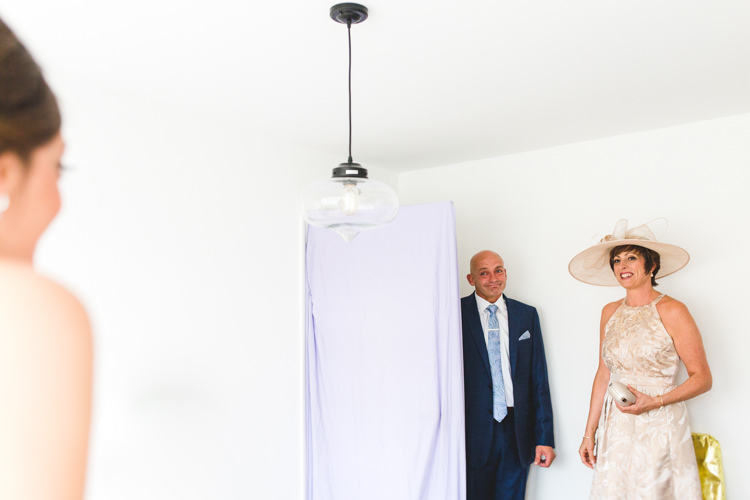 Stylish Relaxed Fun White Wedding http://www.livvy-hukins.co.uk/