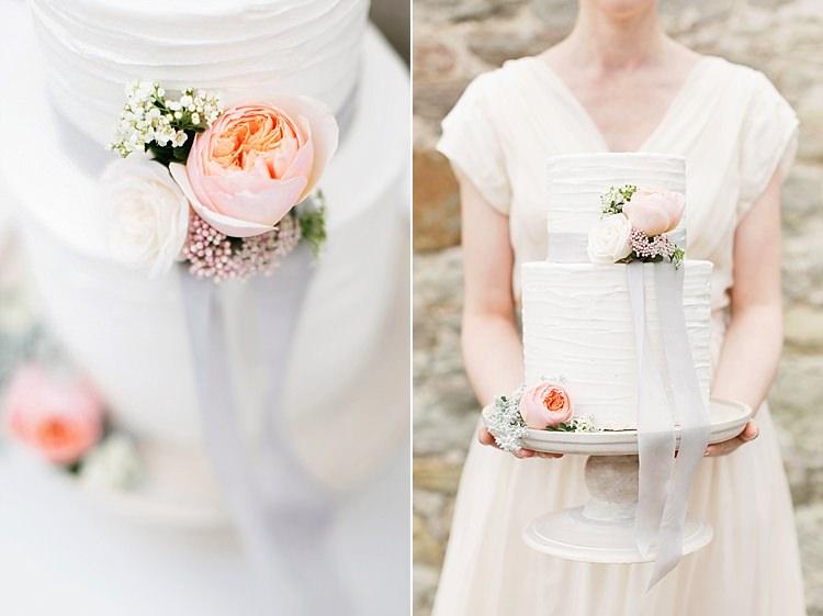 Soft Pale Fine Art Wedding Ideas http://rachelrosephotography.co.uk/