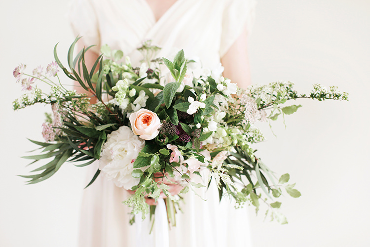 Bouquet Flowers Bride Bridal Organic Natural Foliage Roses Peonies Soft Pale Fine Art Wedding Ideas http://rachelrosephotography.co.uk/