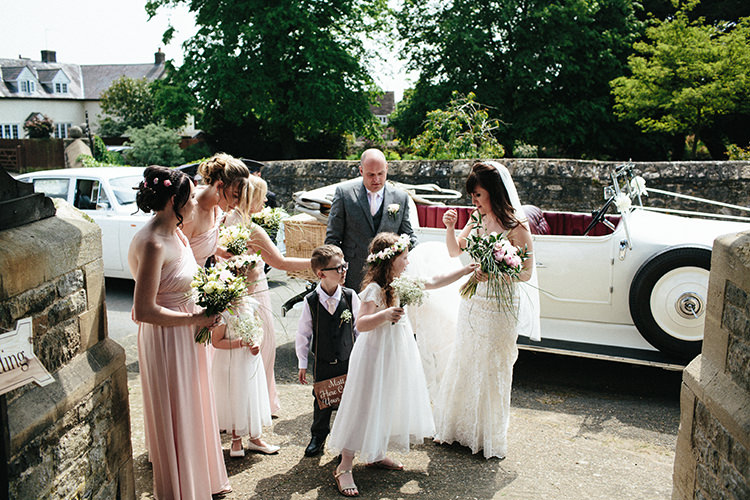 Soft Springtime Countryside Wedding http://www.claudiarosecarter.co.uk/