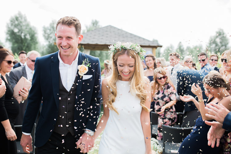 Confetti Throw Bohemian Vineyard Wedding http://www.gemmagiorgio.com/
