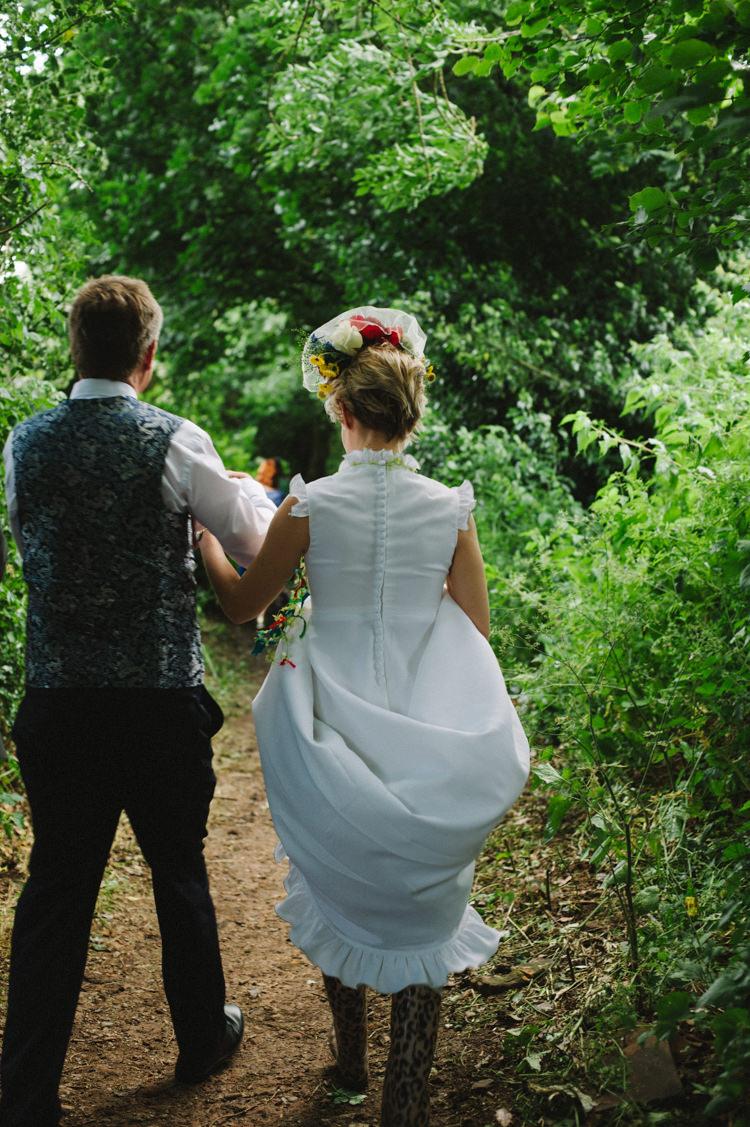 Vintage Dress Bride Bridal Buttons Frills Artistic Creative Colourful Farm Wedding http://www.mustardyellowphotography.com/