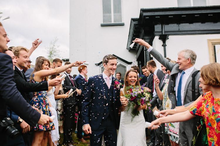Confetti Throw Mismatched Berry DIY Wedding http://www.colinianross.com/