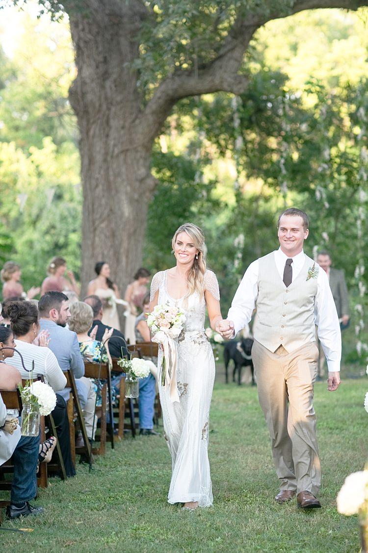 Gold & Peach Riverside Garden Wedding http://kellyhornberger.com/