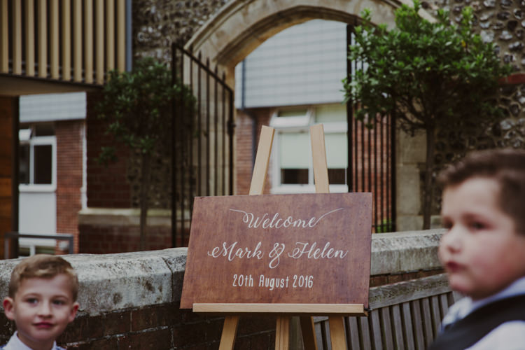 Wooden Welcome Sign Calligraphy Romantic Stylish Relaxed Sea Wedding http://www.oxiphotography.co.uk/