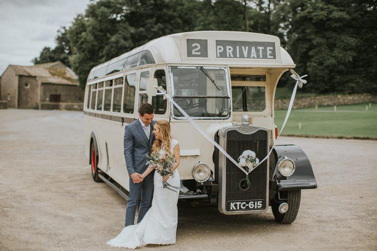 Vintage Bus Transport Creative DIY Rustic Lavender Wedding http://www.nataliepluck.com/