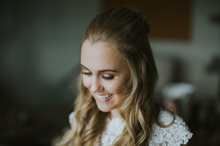 Make Up Bride Bridal Beautiful Creative DIY Rustic Lavender Wedding http://www.nataliepluck.com/