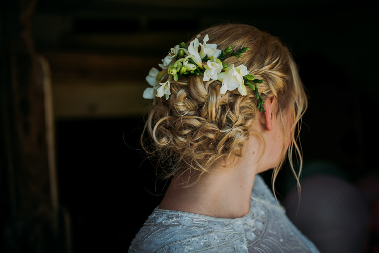 Flowers Hair Style Bride Bridal Colourful Cool Hand Made Wedding http://www.jonnybarratt.com/