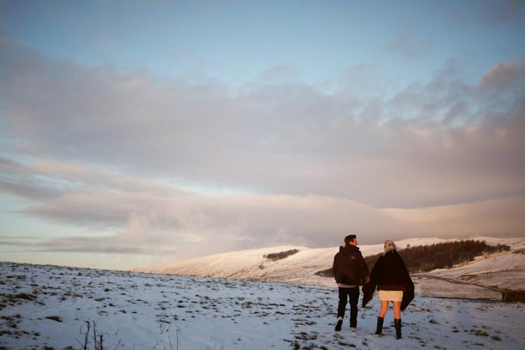 Snowy Peak District Engagement http://www.juntanweddings.com/