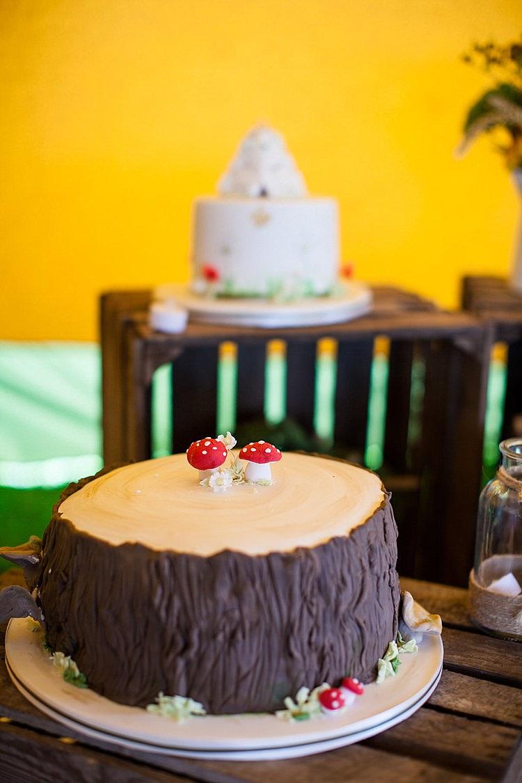 Toadstool Log Cake Mushroom Pretty Outdoorsy Yellow Tipi Wedding http://www.binkynixon.com/