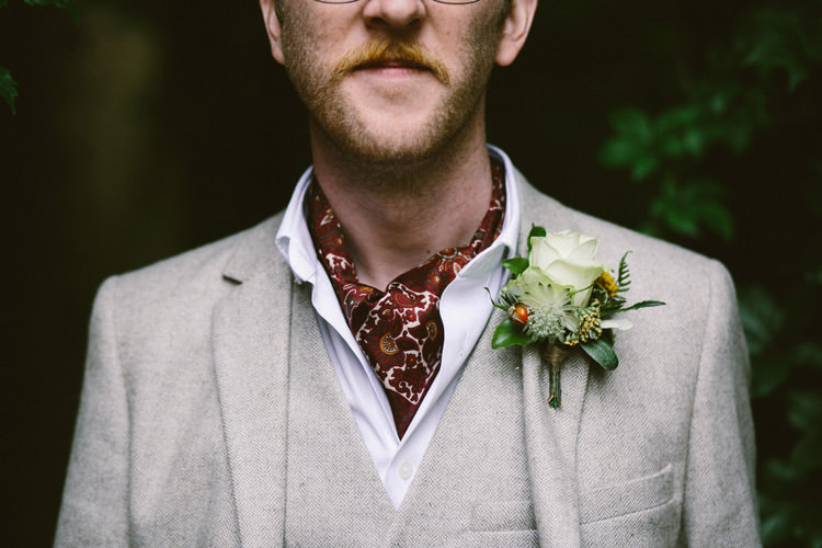 Cravat Groom Buttonhole Small Vintage City Wedding http://www.sarahlondonphotography.co.uk/
